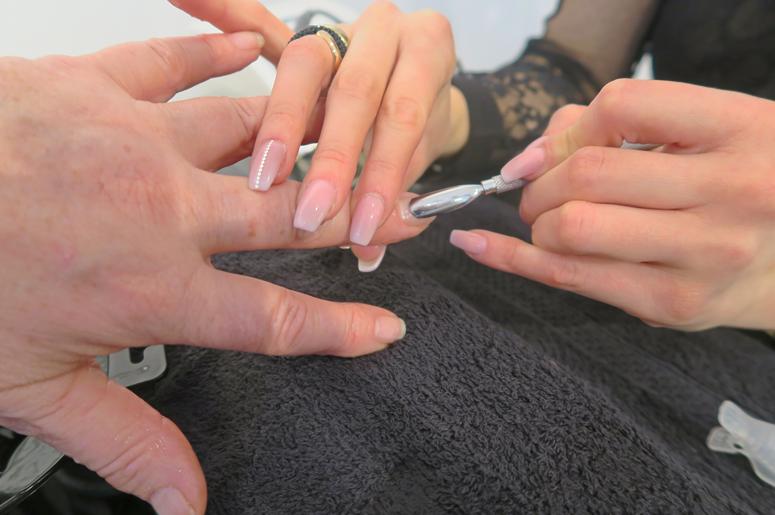 Bella Nails & Beauty Uithoorn winkelcentrum Zijdelwaard